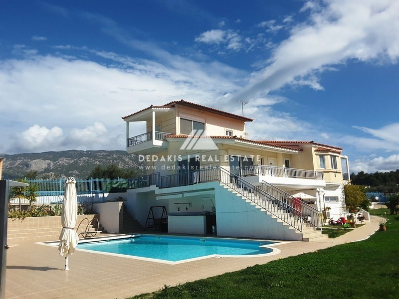 For sale Villa 850.000€ LOUTRAKI (code D-2682)
